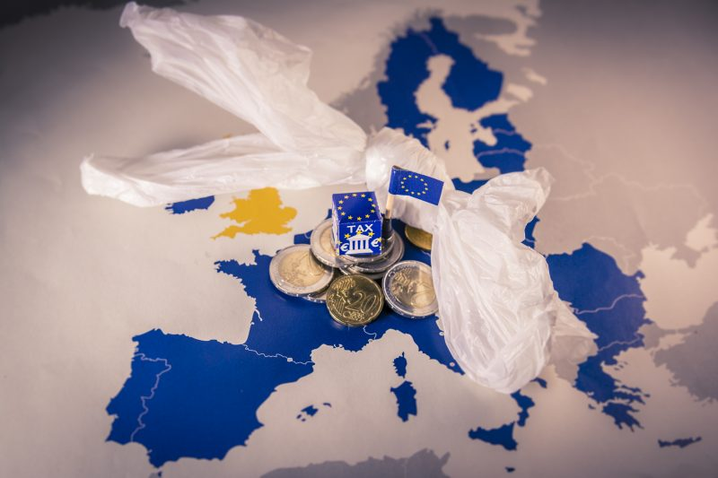 Plastic Tax, un terremoto europeo per l'industria del settore