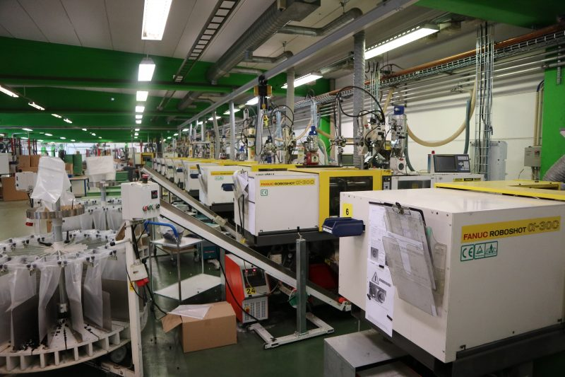 Componenti automotive stampati a iniezione