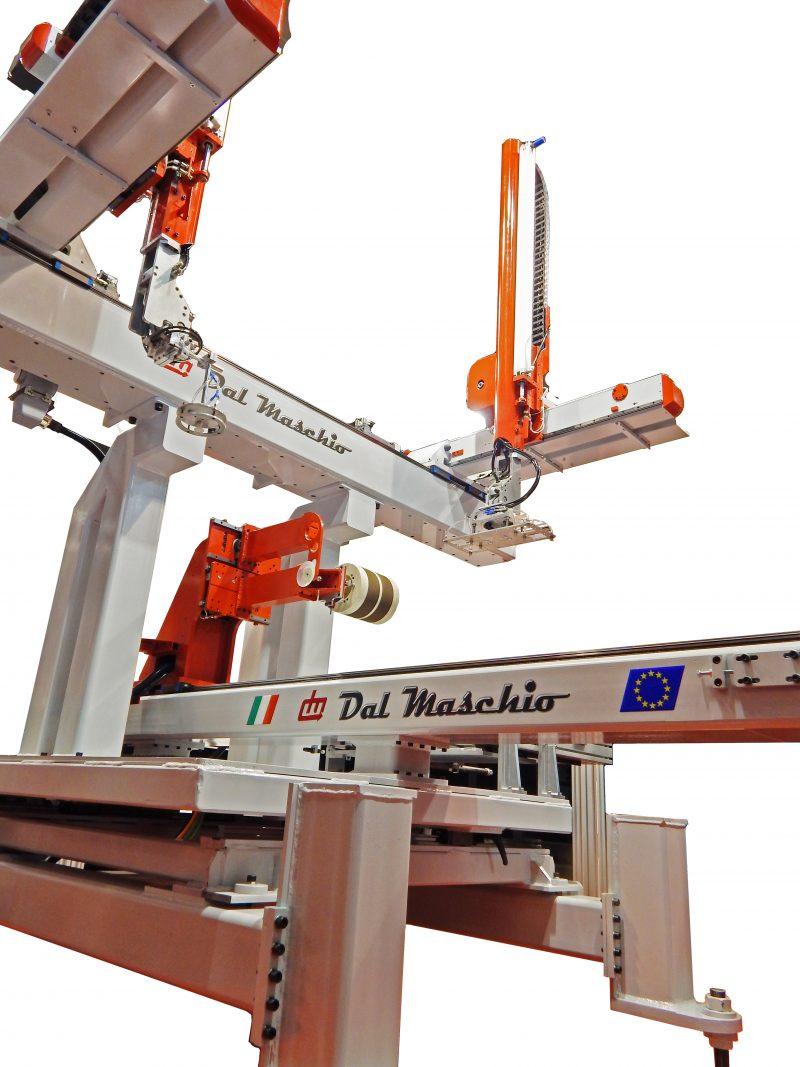 Dal Maschio, robot e automazione per lo stampaggio
