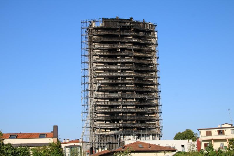 Aipe: non c'era EPS nel grattacielo andato a fuoco a Milano