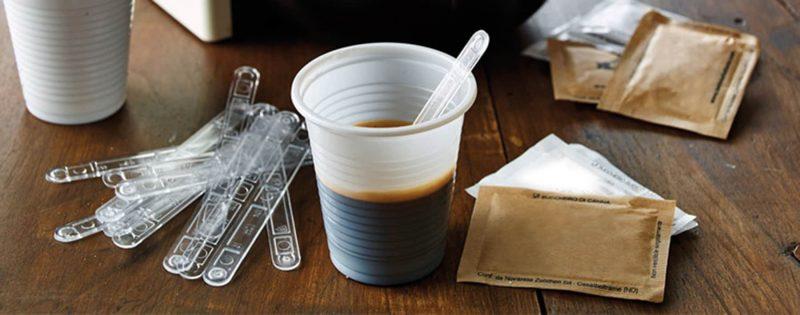 Palette in plastica per il caffè: a rischio un intero settore