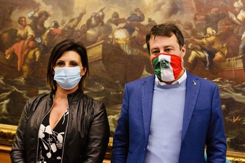 """Matteo Salvini contro la Plastic Tax: """"Non aiuta l'ambiente, né l'erario"""""""